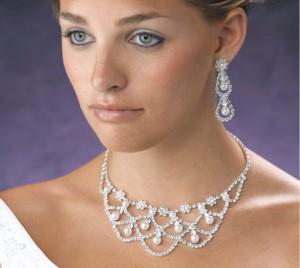 Свадебная бижутерия в интернет магазине: правила выбора и советы