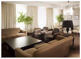 Сложности бронирования отелей и заказа ресторанов для свадьбы